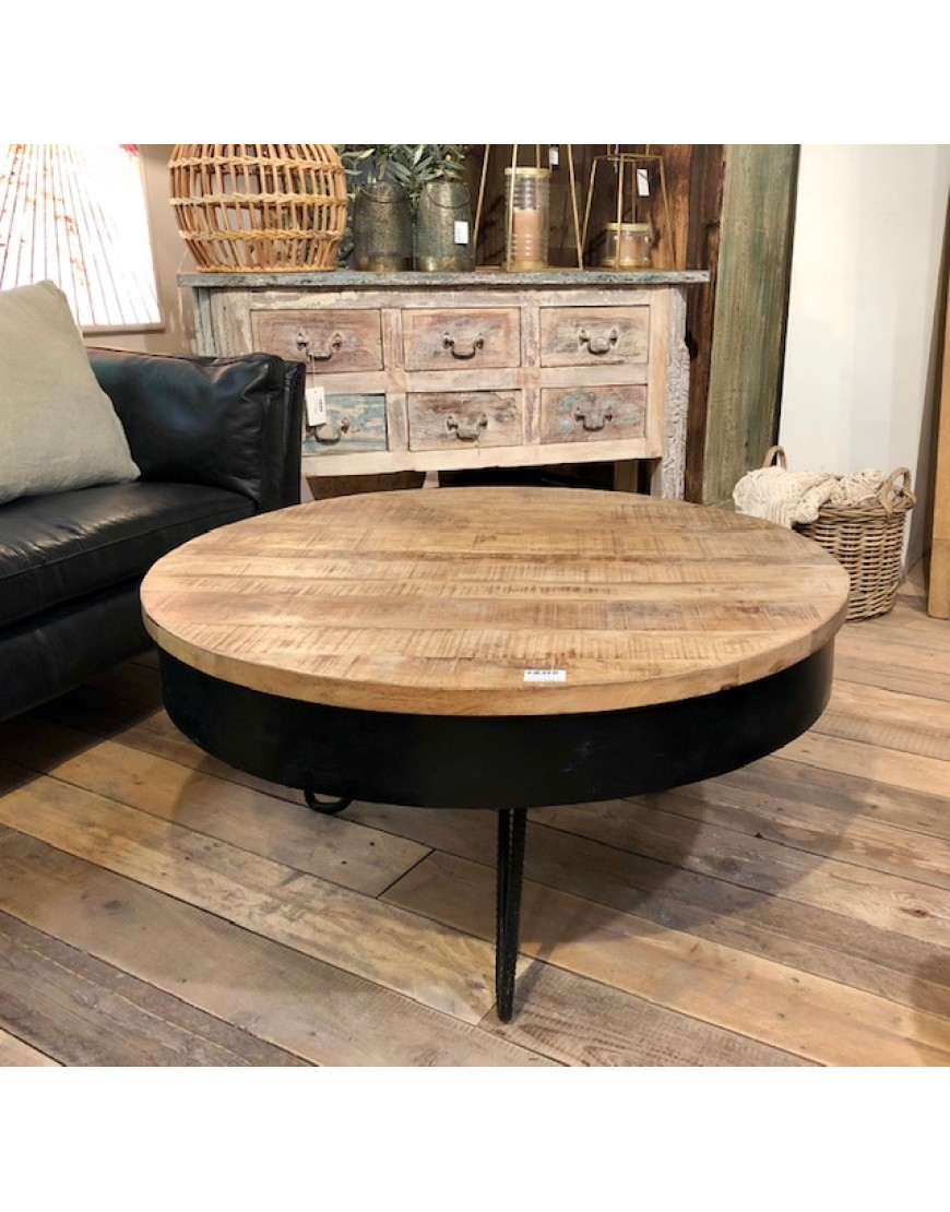 Table round with iron frame