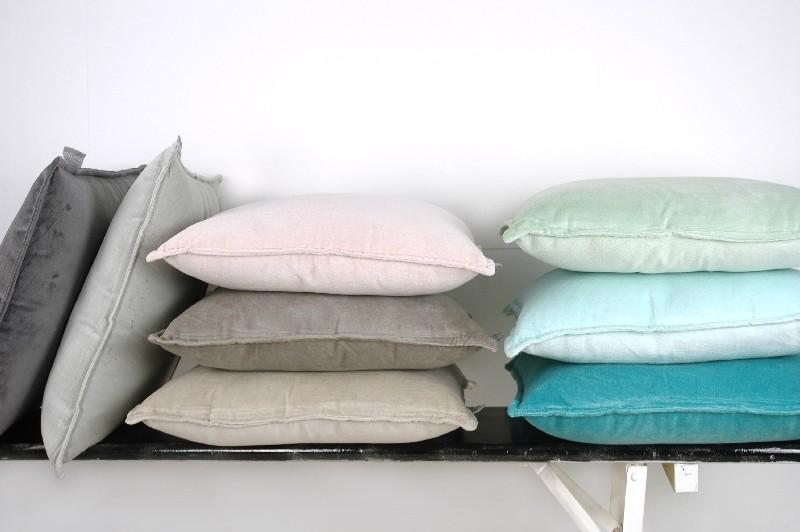 Cushions & Plaids
